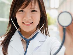 女性の薄毛を治すには皮膚科、婦人科?薄毛の症状別、病院の選び方