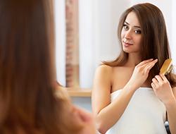 抜け毛・薄毛予防のためのヘアブラシ講座〜選び方とお手入れ方法〜