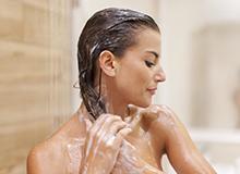 髪と頭皮にやさしい洗い方とは?